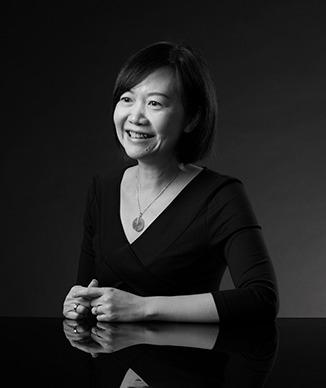 林佩峰<br/>Desiree Lam